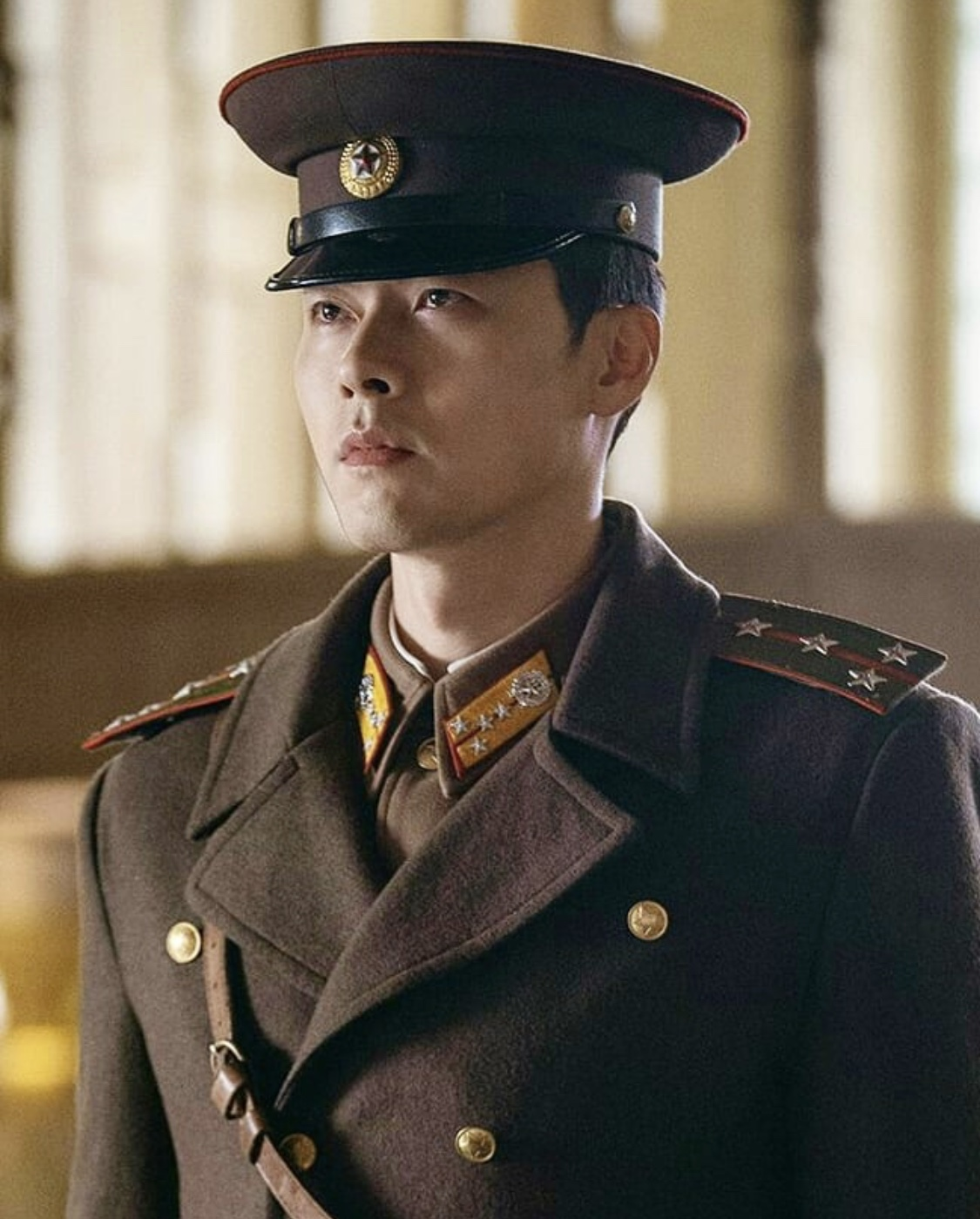 "7 Hyun Bin GIFS to Survive Crash Landing On You ""No Broadcast Weeks"""
