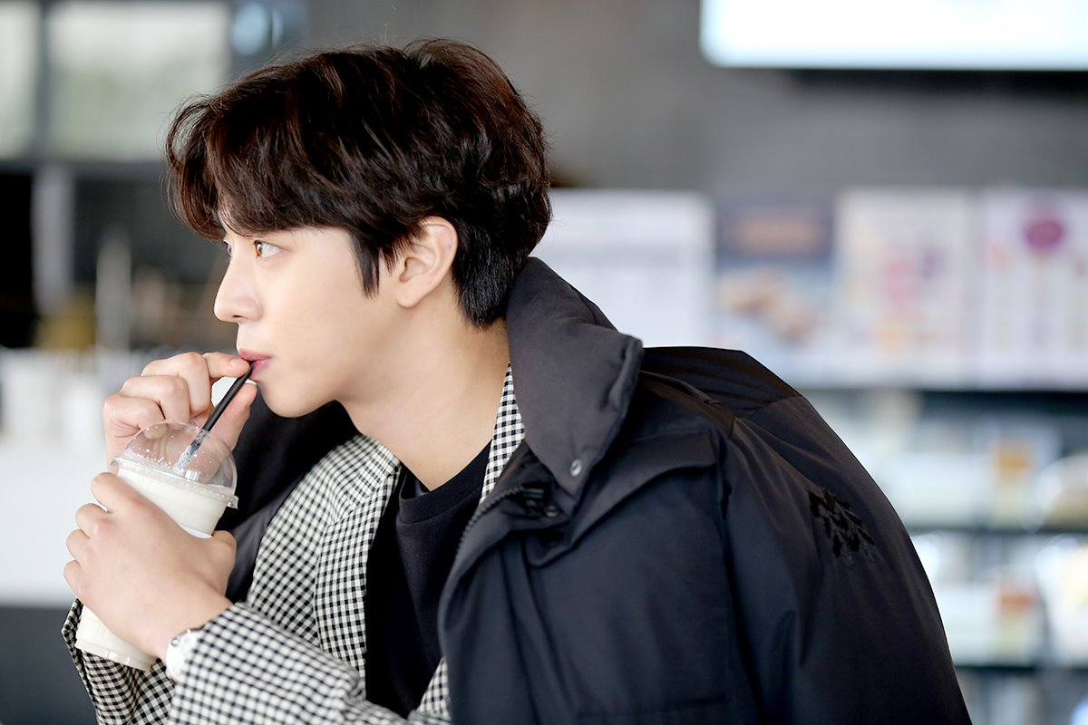 Ahn Hyo Seop wows fans with fluent English - Chingu to the World